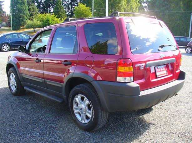 2003 ford escape xlt awd outside comox valley comox. Black Bedroom Furniture Sets. Home Design Ideas