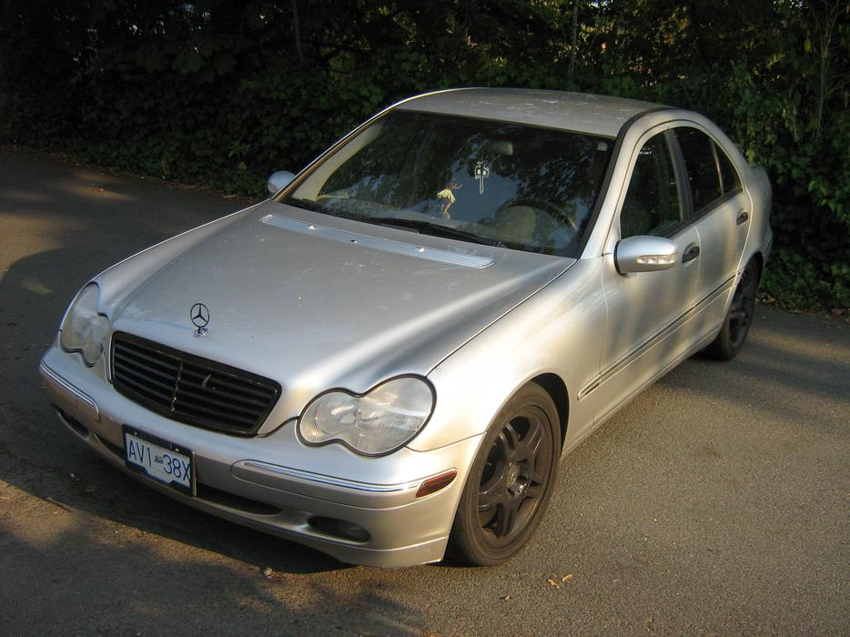 Mercedes benz c240 central saanich victoria for Mercedes benz bay ridge