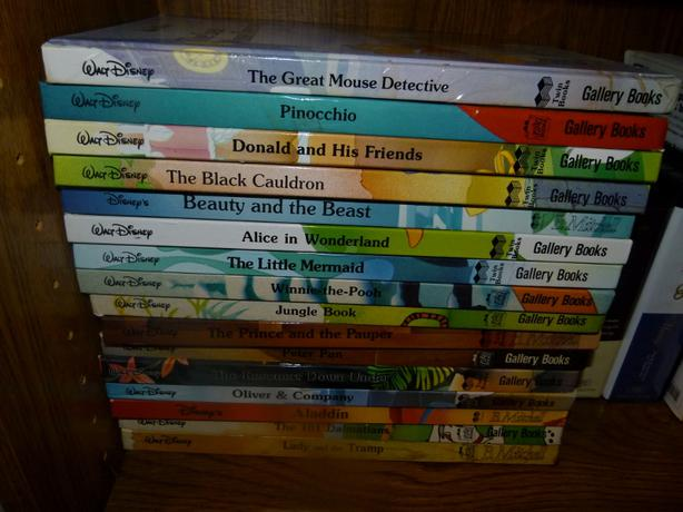 Lot of 16 hardcover Cherry Ames Books with dust jackets Helen Wells Julie Tatham