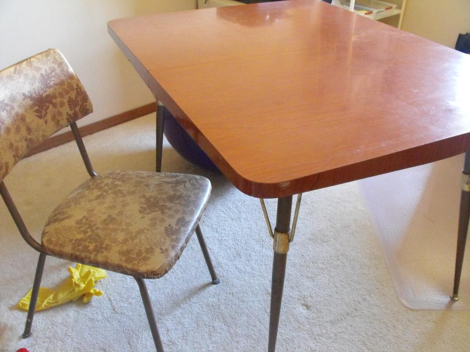 retro dinette table with chairs Saanich Victoria : 48598310934 from www.usedvictoria.com size 934 x 700 jpeg 77kB