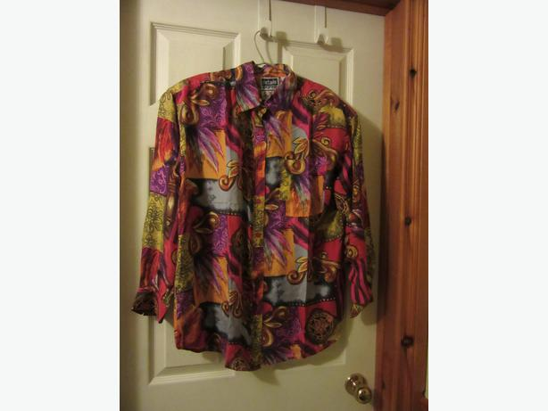 Women's silk blouse Like new size Medium