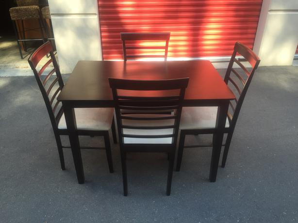 solid rubberwood table and chairs esquimalt view royal victoria