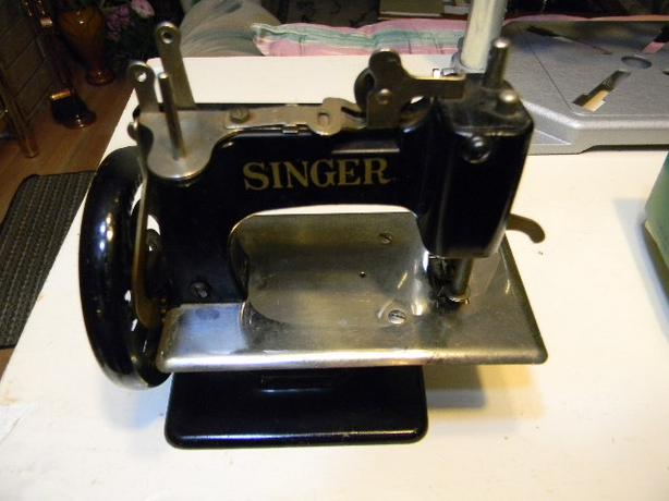 singer sewing machine for children