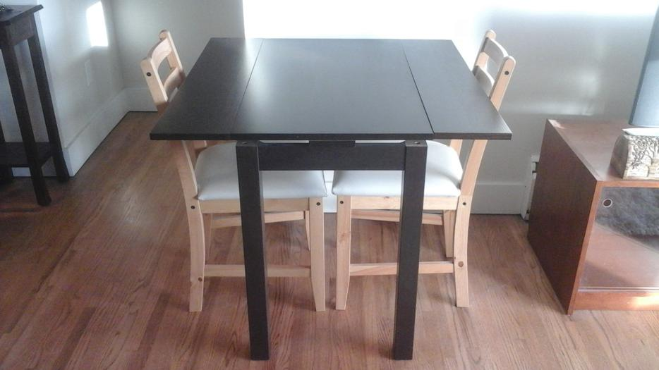Extendable Dining TableDesk With Two Chairs Almost New  : 48622067934 from www.usedvictoria.com size 934 x 525 jpeg 49kB