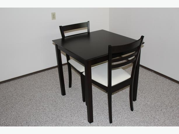 Dining room table and two chairs victoria city victoria for Dining room tables victoria