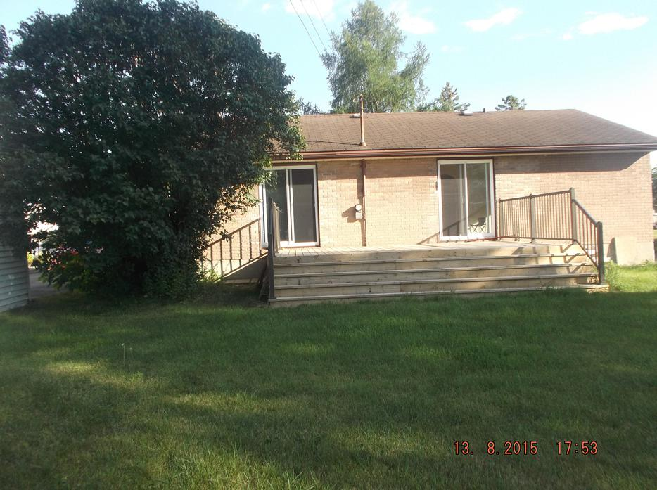 4 Bedroom Bungalow In City View St Claire Gardens Nepean Nepean Ottawa