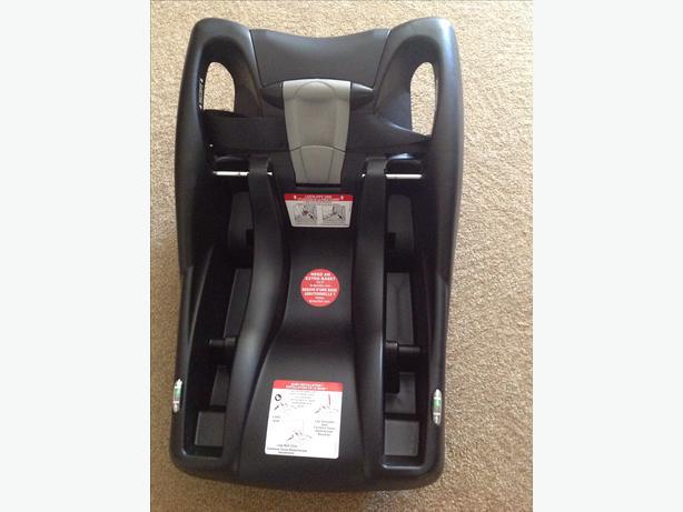 brand new britax b safe car seat base esquimalt view royal victoria. Black Bedroom Furniture Sets. Home Design Ideas