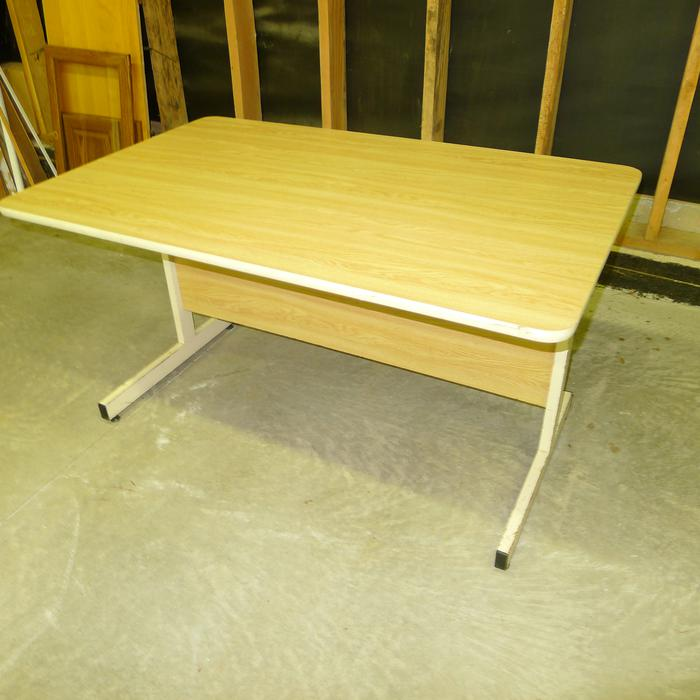 Free 4 Foot Long Office Desk Style Computer Table Saanich
