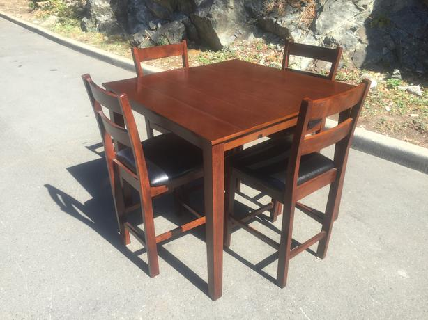 beautiful solid rubberwood bar table and chairs esquimalt view royal