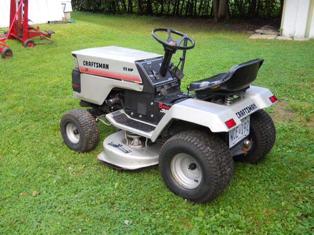 Sears Craftsman 2 11hp Lawn Tractor Nepean Ottawa
