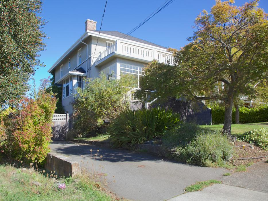 Beautiful Fairfield Character Home 15 Month Lease Victoria