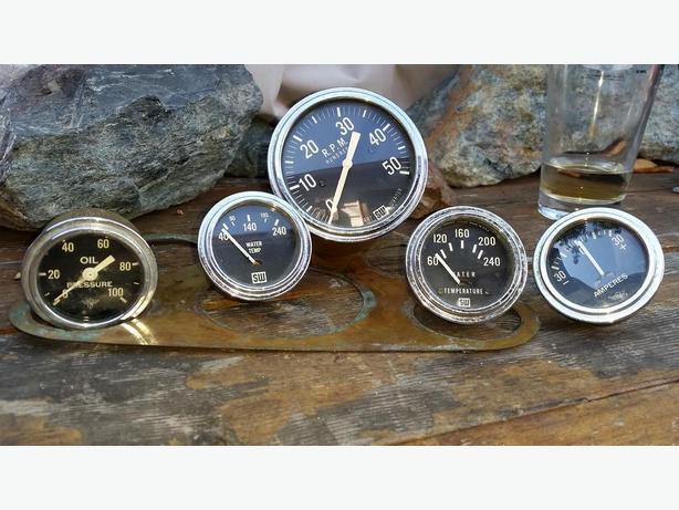 1949 Stewart Warner gauges