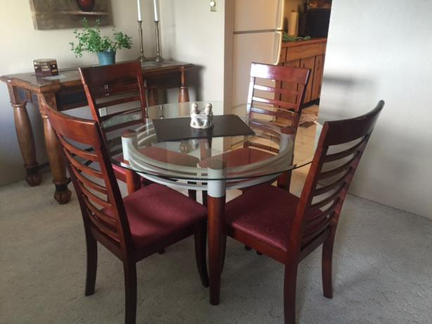 Dining room table chairs saanich victoria for Dining room table 4 person