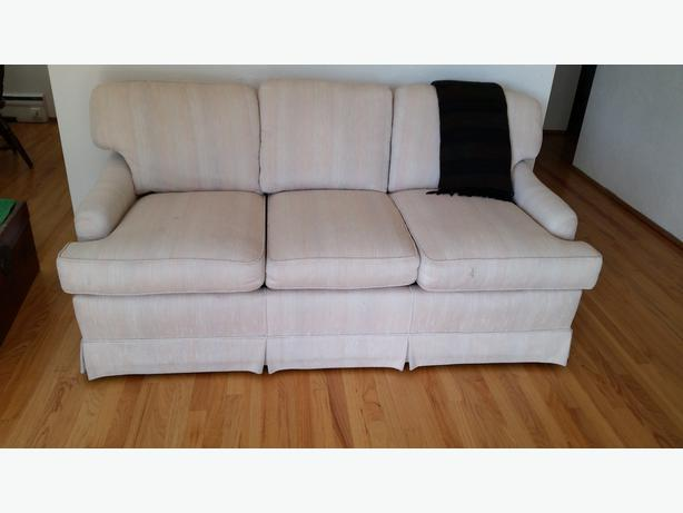 Free sofa bed victoria city victoria mobile for Sofa bed 74 inches
