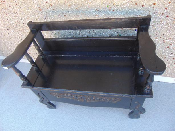 Antique Old Front Parlor Storage Sitting Bench Hand Carved Victoria City Victoria Mobile