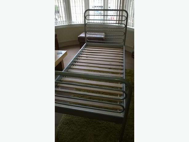 ikea leon twin bed frame oak bay victoria. Black Bedroom Furniture Sets. Home Design Ideas