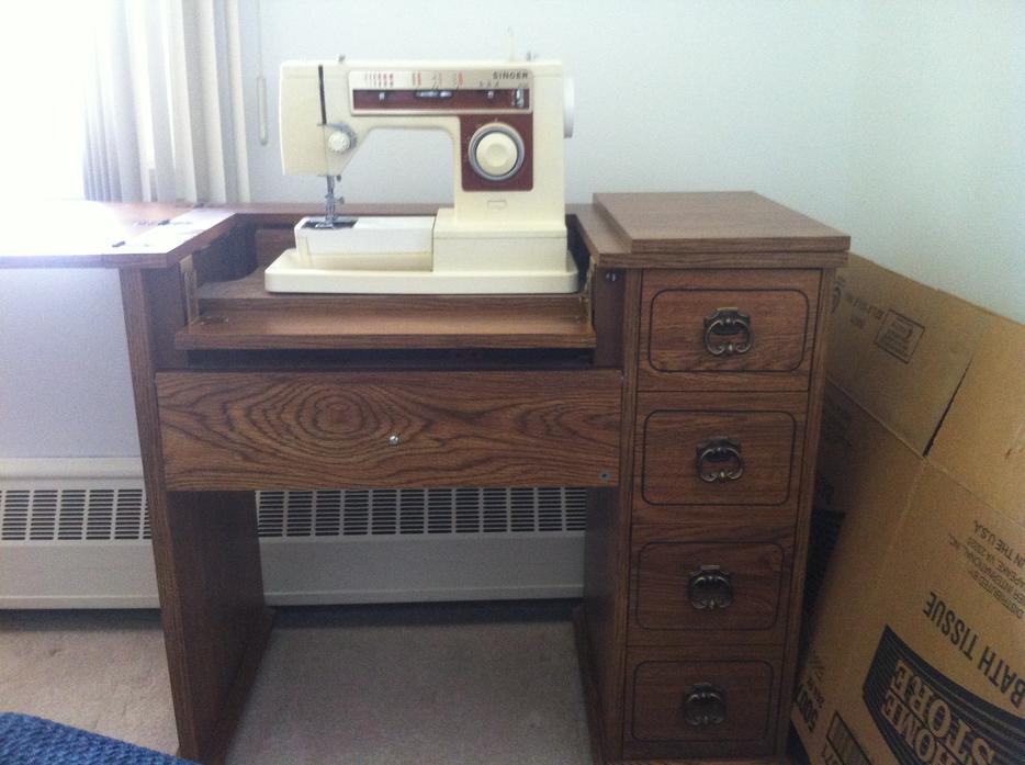 singer sewing machine 6105