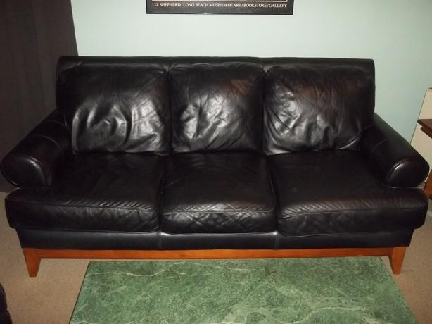 Black leather living room suite sooke victoria for Leather living room suit