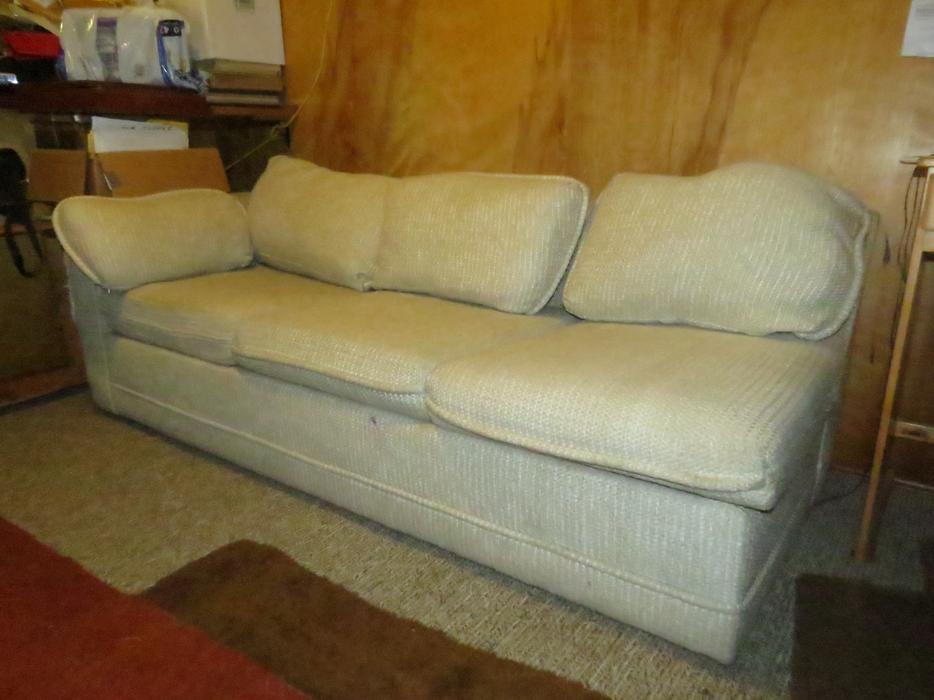 FREE Sofa Bed Saanich Victoria : 48688588934 from www.usedvictoria.com size 934 x 700 jpeg 63kB