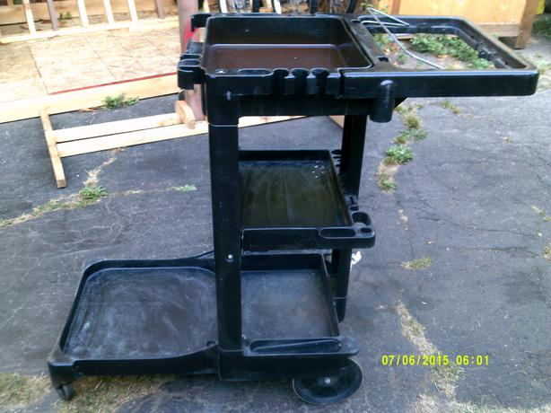 Cleaning utility gardening cart victoria city victoria for Gardening tools victoria