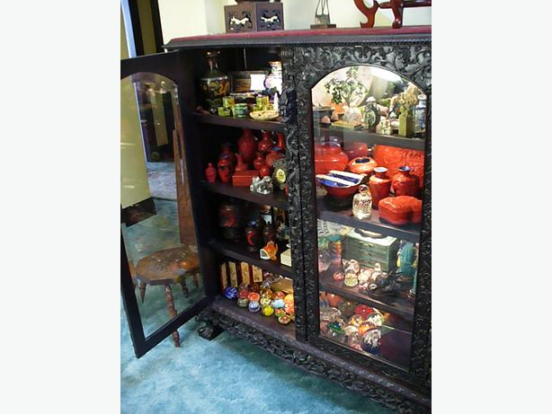 Intricate Oriental Curio Cabinet In Duncan Outside Nanaimo