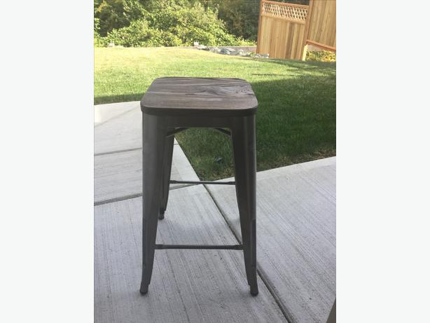 Brand New Metal Bar Stool South Nanaimo Nanaimo