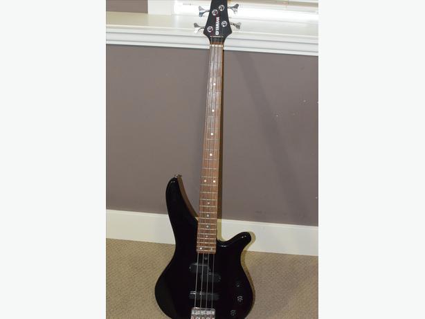 Yamaha bass guitar kustom amp reduced north nanaimo for Yamaha bass guitar amplifier