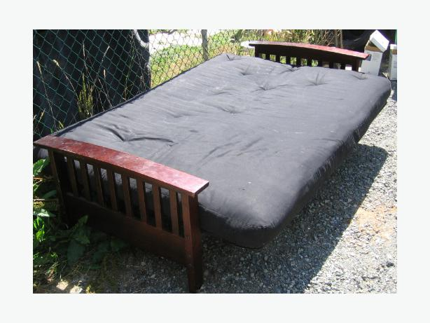 High End Modern Wood Frame Futon With 8 Inch Thick