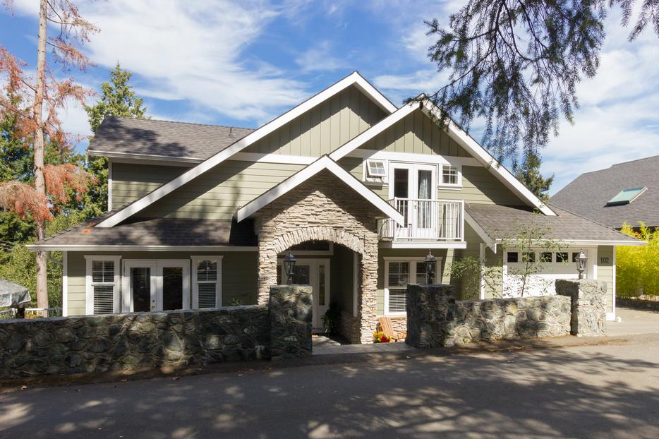 Beautiful executive home for sale at 102 gibraltar bay rd for 102 hamilton terrace london