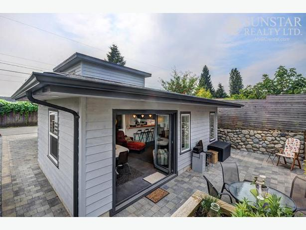 North Van Furnished Laneway House w/ Concrete Floors & Patio (859)