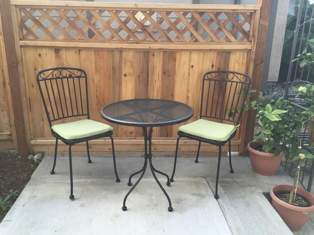 brand new 2 chairs and small table patio set central saanich victoria