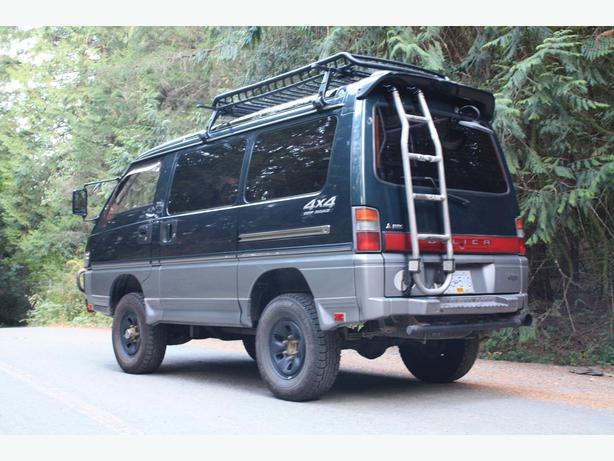 1992 Mitsubishi Delica L300 4x4 Lifted **5 Speed Standard