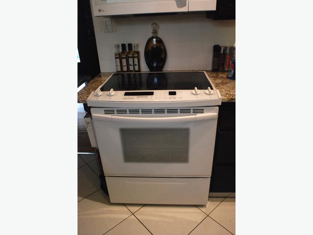 Flat Top Stove ~ Kitchenaid superba flat top stove in white south regina