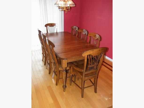 solid maple custom made dining table chairs buffet hutch nepean ottawa mobile. Black Bedroom Furniture Sets. Home Design Ideas