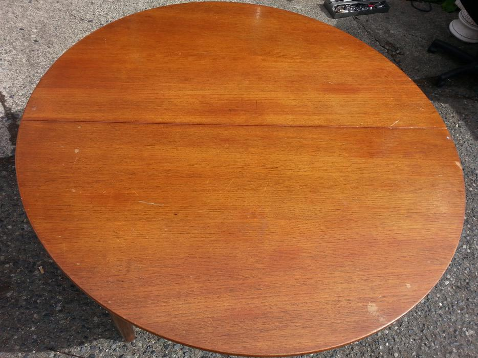Teak Round Dining Table South Nanaimo Parksville Qualicum  : 48759490934 from www.usedpqb.com size 934 x 700 jpeg 108kB
