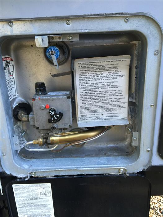 Rv hot water heater duncan cowichan for Used hot water heater