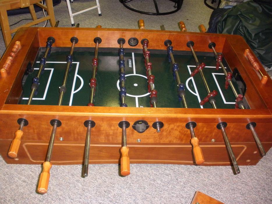 Harvard wood foosball table South Nanaimo, Nanaimo - MOBILE