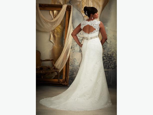 Wedding dress - MoriLee Julietta 3131
