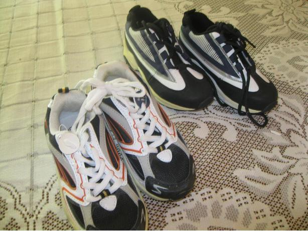 2 BRAND NEW pairs of Boys RUNNING shoes - size 11