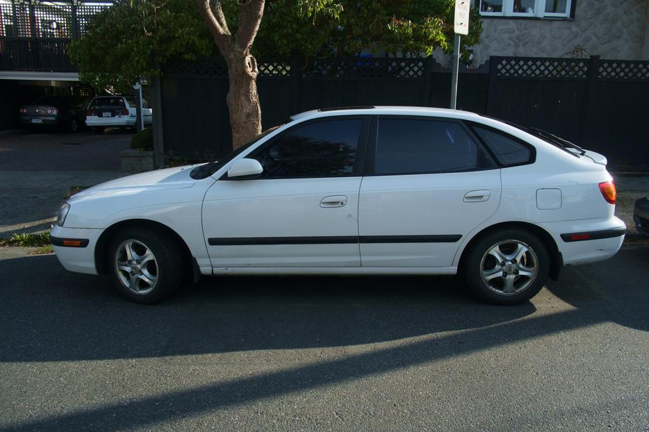 2003 Hyundai Elantra Gt Hatchback Gold Edition 208k
