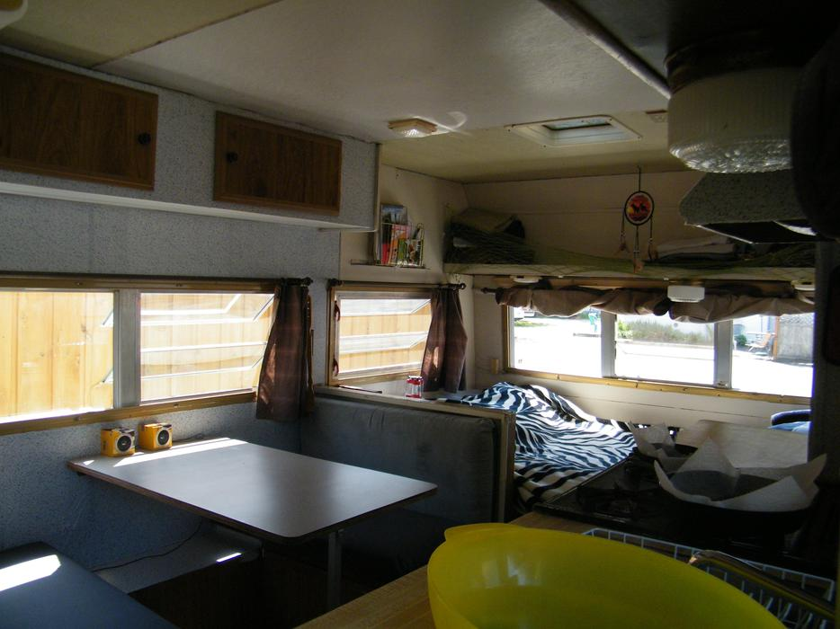 1974 wilderness camper trailer - Cfb kingston release section