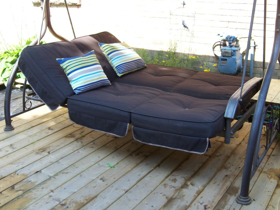 Costco Large Patio Swing Amp Daybed With Canopy Can