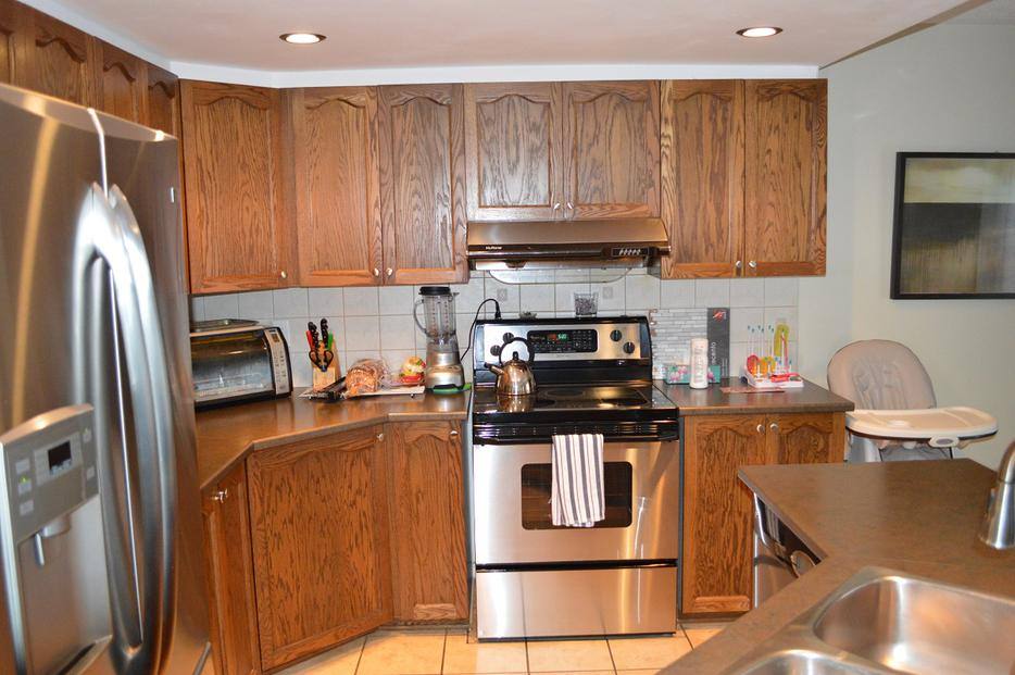 Kitchen cabinets and countertops kanata ottawa for Kitchen cabinets york region