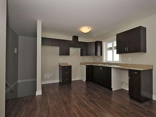 1 bdrm above garage suite available oct 1st west shore for Suite above garage