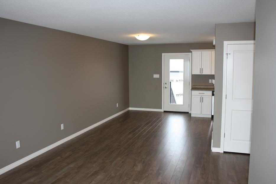 3 Bedroom Town Home With Double Garage For Rent In Harbour