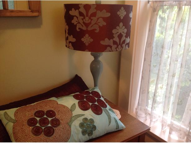 Decorative Pillows Victoria Bc : Decorative lamp and pillows Saanich, Victoria