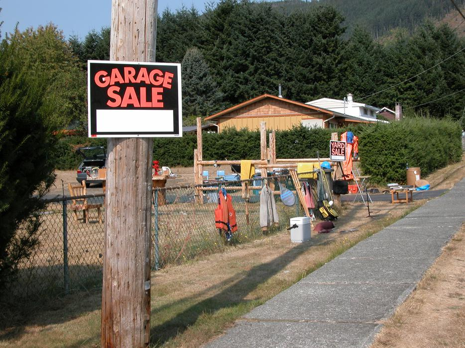 Man Cave Fort Nelson : Garage sale contents of man cave lake cowichan