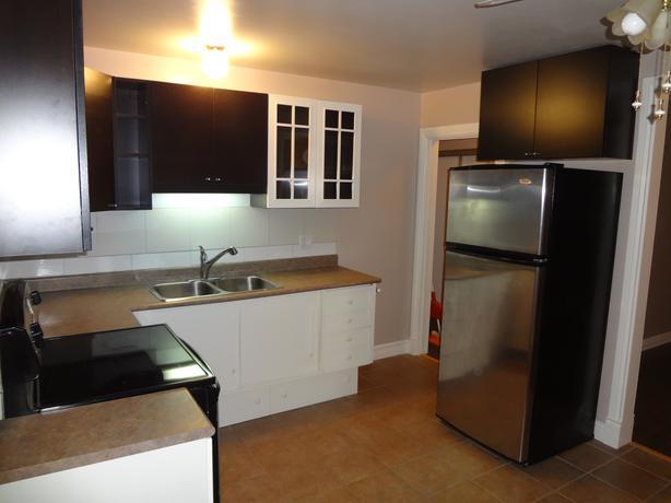 Everything Included 2 Bedroom In Triplex Near Westboro Central Ottawa Inside Greenbelt Ottawa