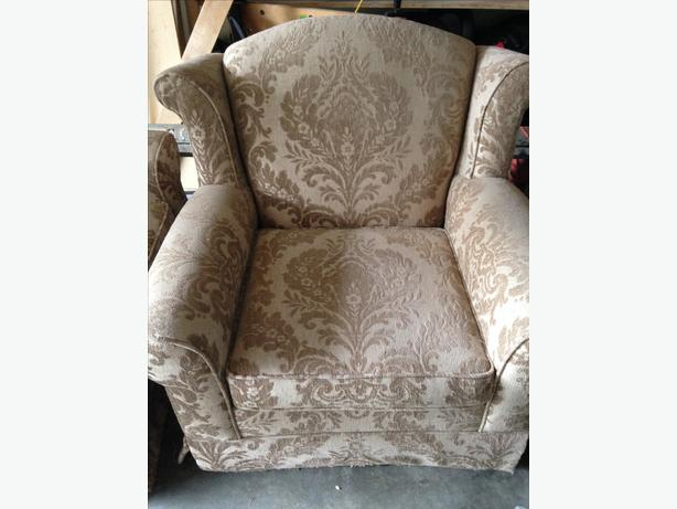 Free matching living room chairs central saanich victoria for Matching living room chairs