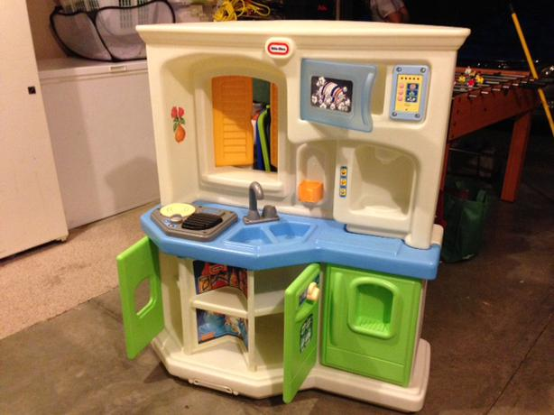 little tikes play kitchen chilliwack fraser valley rh usedfraservalley com play kitchen little tikes ipad little tikes play kitchen canada